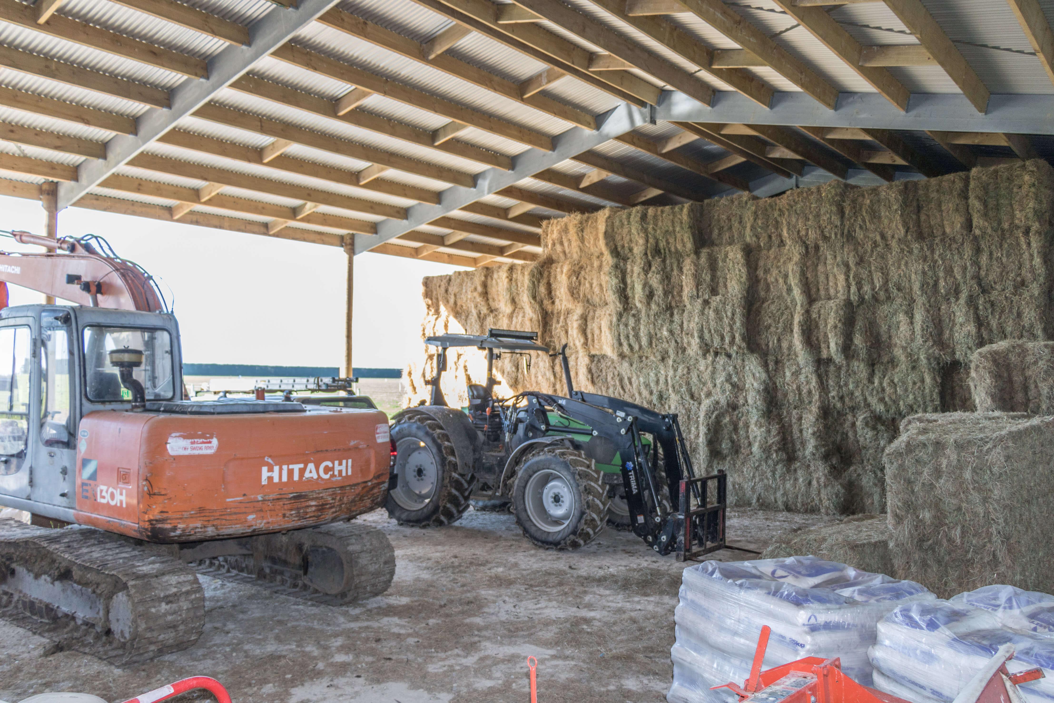 Widespan hay shed design
