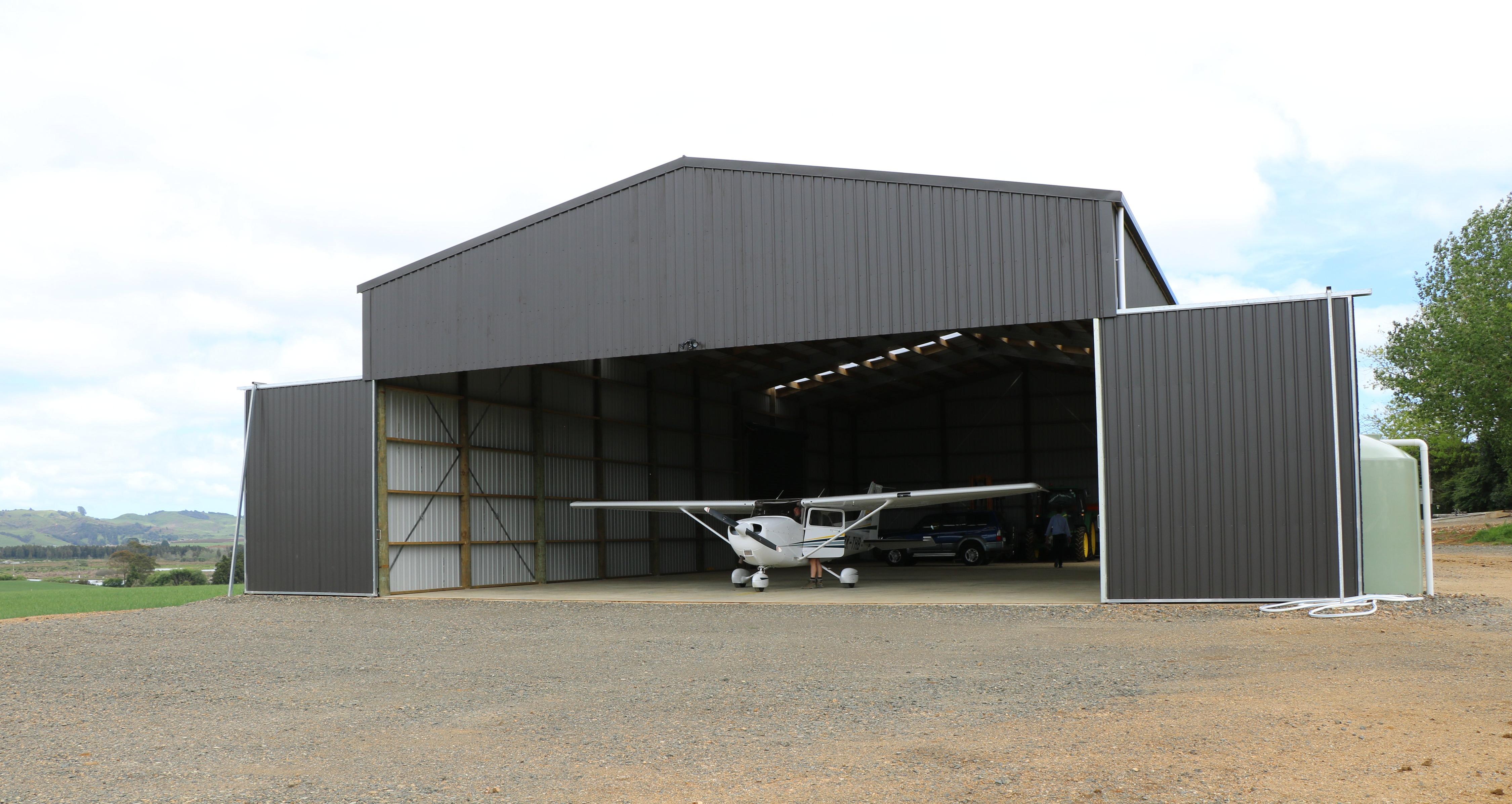 Hangar with sectional doors