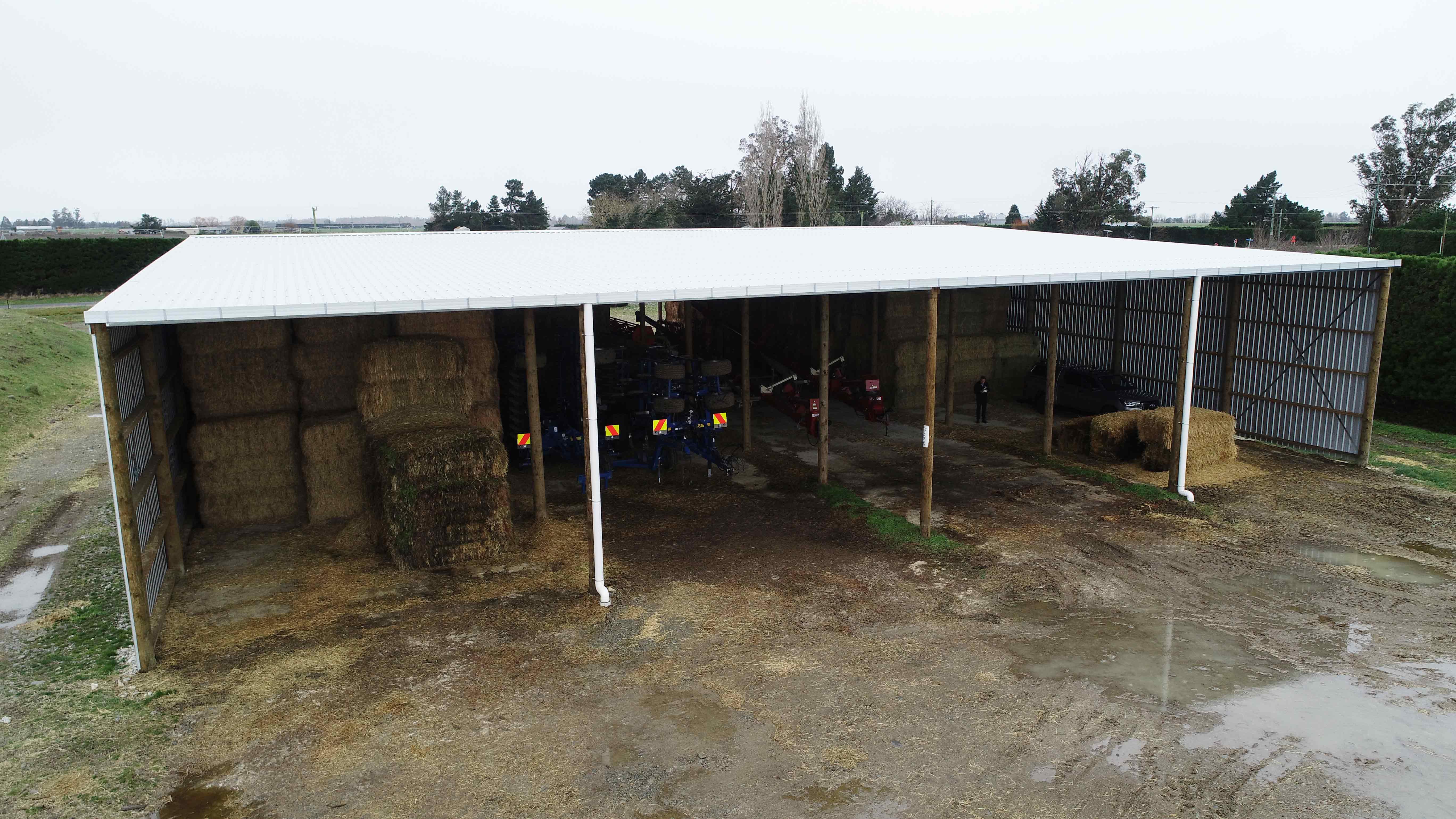 Wide farm sheds